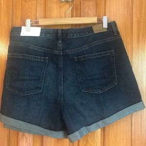 American Eagle Outfitters Shorts - American Eagle Mom Short